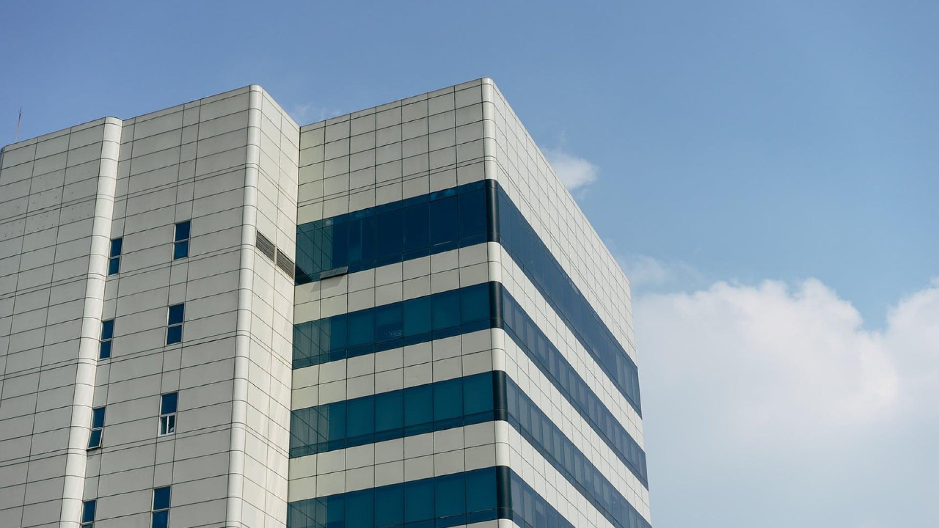 Acheter ou louer ses bureaux professionnels ?